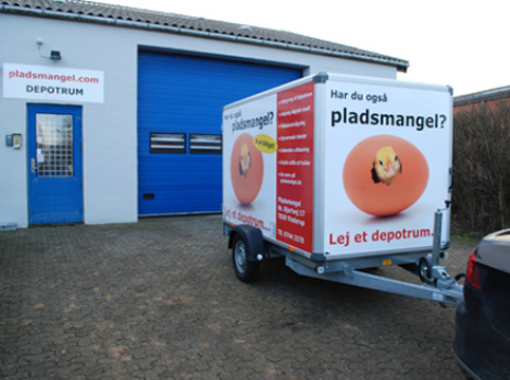 Moderne Gratis udlån af lukket trailer WQ71